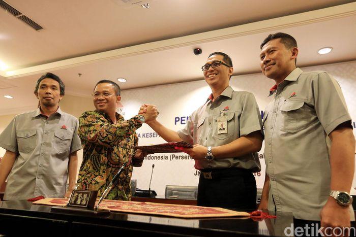 Kedua perusahaan plat merah ini akan bekerjasama dalam pembangunan infrastruktur di wilayah Pelindo serta kerjasama dalam bentuk studi kelayakan yang meliputi aspek finansial, teknis, komersial dan hukum.