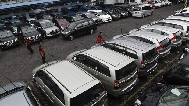 Salah satu tempat penyewaan kendaraan bermotor, di Surabaya.