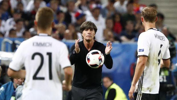Joachim Loew jadi alternatif ideal pelatih Real Madrid.