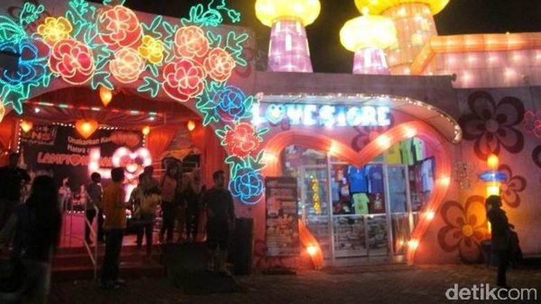 9 Wahana di Batu Night Spectacular, Cocok untuk Liburan Tengah Tahun /Foto: (Putri/detikTravel)
