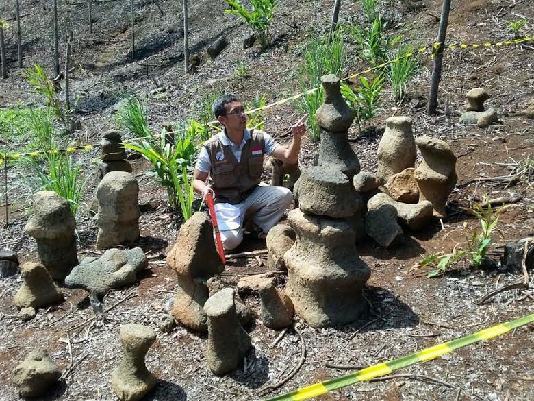 Menelusuri Batu-batu Aneh Mirip Bidak Catur di Sukabumi Peninggalan Era Megalitik