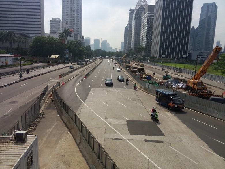Hari Pertama Masuk Kerja, Jl Sudirman dan Thamrin Lengang