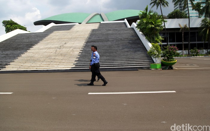 Gedung Nusantara III tempat Pimpinan MPR, DPR dan DPD juga terlihat sepi yang biasanya ramai. Lamhot Aritonang/detikcom.