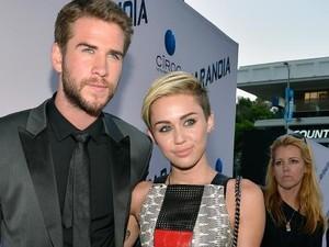 Asmara Liam Hemsworth-Miley Cyrus Goyah Lagi karena Perjanjian Pranikah?