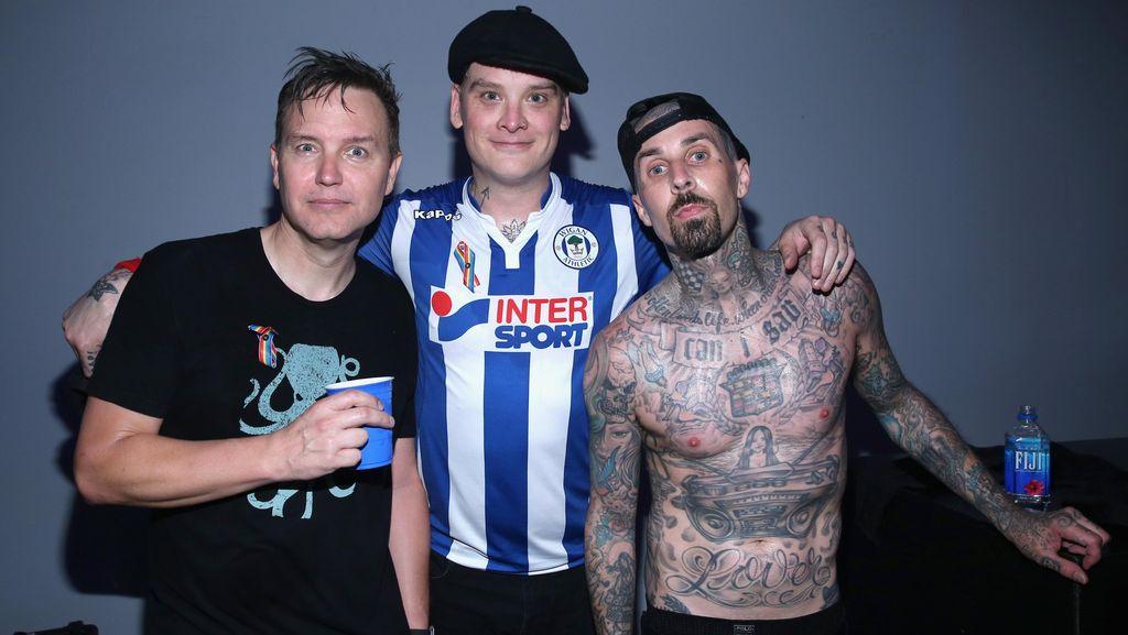 Kicauan Tom DeLonge-Travis Barker Ternyata Bukan Tentang Reuni Blink-182
