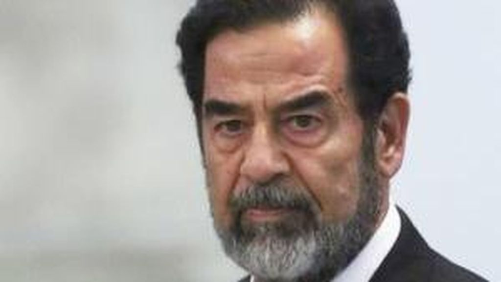 Stirofoam di Atas Bungker Persembunyian Saddam Hussein