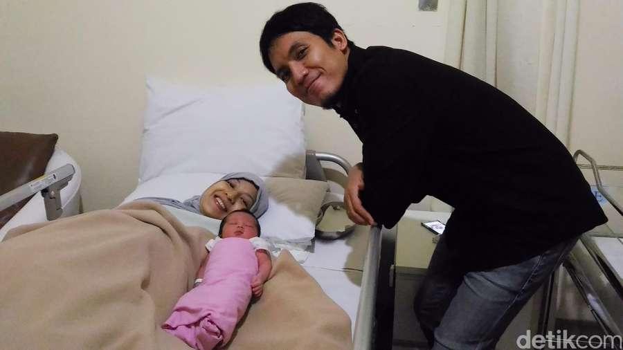 Kebahagiaan Natasha Rizki dan Desta Sambut Anak Kedua