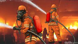 Kebakaran Ruko di Gambir Jakpus, 8 Unit Mobil Damkar Diterjunkan