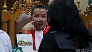 Selain Tes Keperawanan, Ini 5 Usul Hakim Binsar Tekan Perceraian