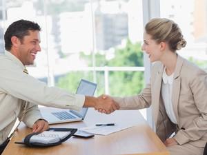 Tips Negosiasi Gaji untuk Fresh Graduate Dapat Gaji Tinggi dari Pakar HRD