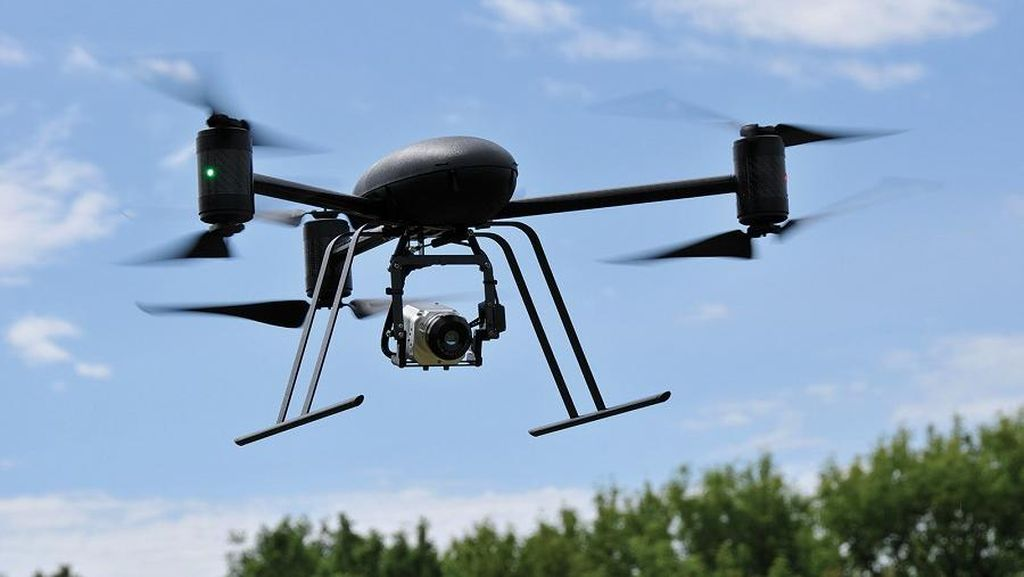 Amazon Dapat Izin Kirim Paket Pakai Drone