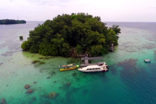 Pulau Macan pernah viral karena disambangi oleh Gempi dan Gisel. Pulau liburan pribadi ini memang cantik dan cocok untuk hoping island di Jakarta.(pulaumacan.com)