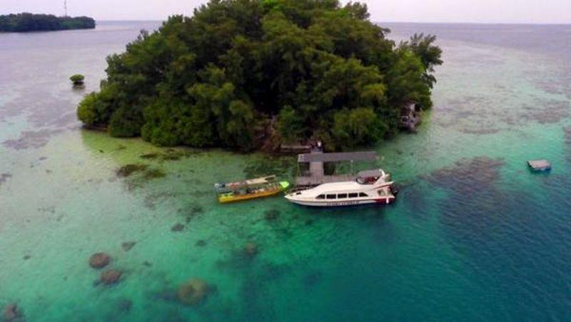Foto: Pulau Macan merupakan salah satu pulau yang ada di Kepulauan Seribu. Pulau inilah yang disebut-sebut Sandi mirip Maldives. (pulaumacan.com)
