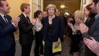 Theresa May Didesak Segera Mulai Proses Keluarnya Inggris dari Uni Eropa