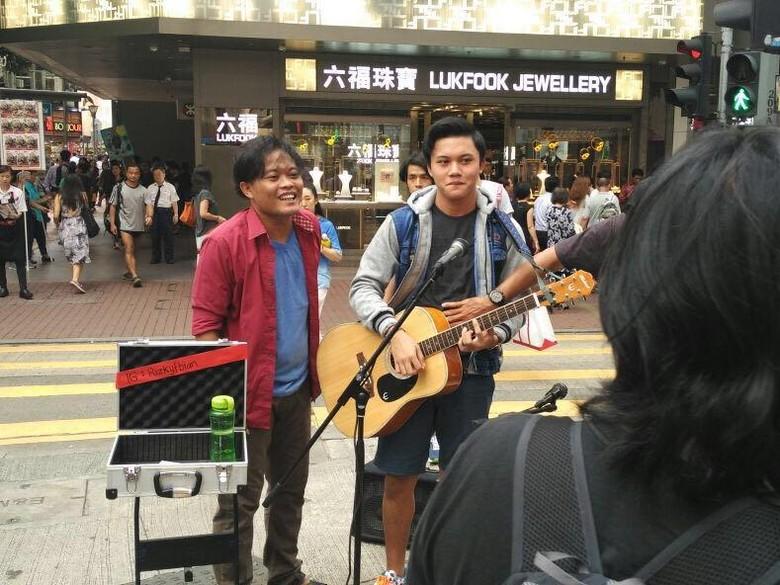 Misi Sule Lewat Film Hongkong Kasarung