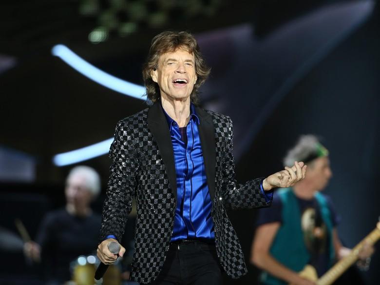 Kondisi Kesehatan Mick Jagger Menurun, The Rolling Stones Tunda 17 Konser