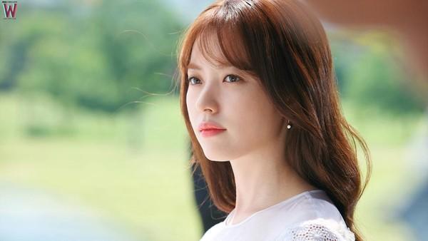 Apa Kata Han Hyo Joo tentang Akting Suzy di Uncontrollably Fond?