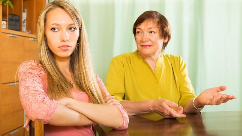 Ketika Ibu Mertua dan Menantu Perempuan Bersaing/ Foto: Thinkstock