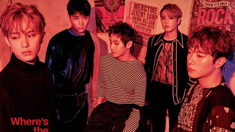 Jonghun (kanan depan). Foto: FNC Entertainment.