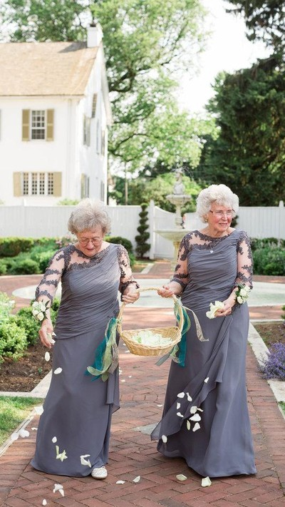Ilustrasi nenek-nenek. Foto: ASHLEY ELIZABETH PHOTOGRAPHY/Huff Post