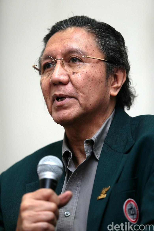 Di Balik Sengkarut Panjang Jokowi Vs Prof Ilham Oetama Marsis