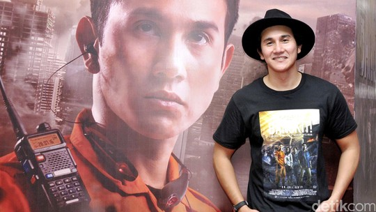 Vino G Bastian Kece dengan Fedora Hat