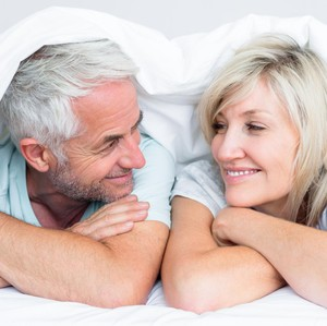 Saling Peduli Lewat Cara Sederhana, Pasangan Tua Ini Bukti Cinta Sejati
