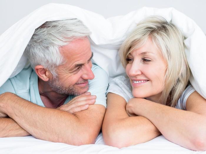 Gairah seksual pasutri di usia 50 masih tinggi menandakan kebugaran seksual masih prima. Foto: ilustrasi/thinkstock