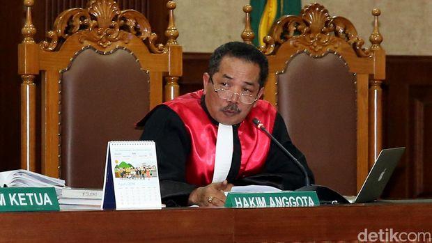 Mengenal Binsar, Hakim yang Usulkan Tes Keperawanan Sebelum Nikah