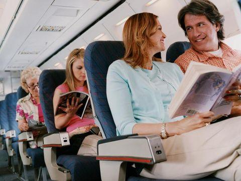 Yang Perlu Diketahui Ibu Hamil tentang Perjalanan dengan Pesawat/