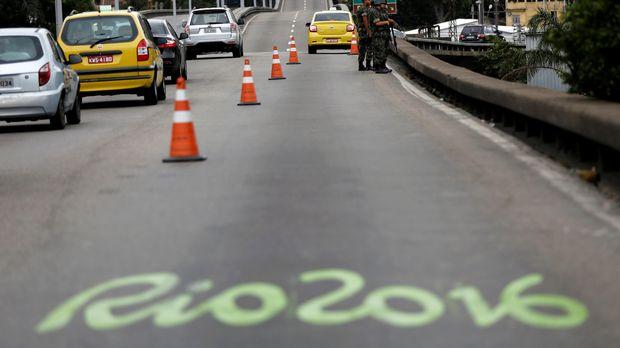 Biaya penyelenggaraan Olimpiade di luar penyediaan infrastruktur pendukung.