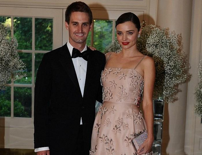 Evan Spiegel dan Miranda Kerr. Foto: Reuters