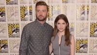 Justin Timberlake dan Anna Kendrick nampak serasi di sesi foto. Dave Mangels/Getty Images/detikFoto