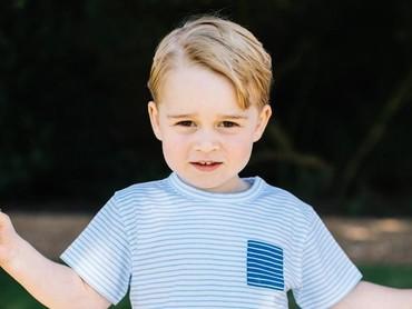 Pangeran Kecil yang sudah besar... (Foto: Twitter/KensingtonPalace)