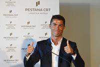 Cristiano Ronaldo saat meresmikan Pestana CR7 di Portugal (Getty Images/Octavio Passos)