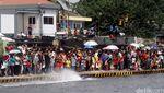 Aksi Prajurit TNI AL di HUT Kolinlamil ke-55