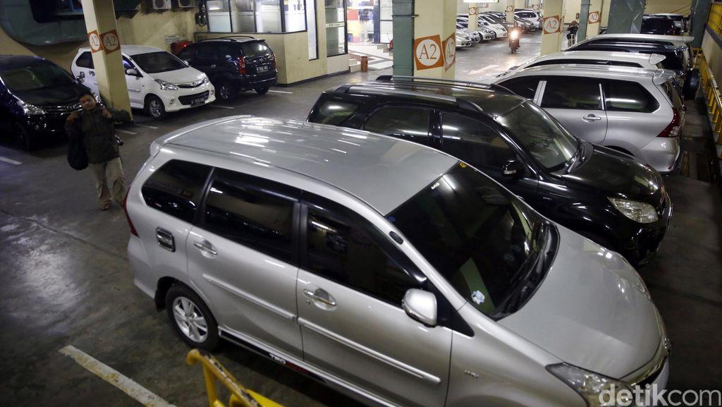 Tinggalkan Mobil Saat Libur Panjang? Perhatikan 8 Hal Ini
