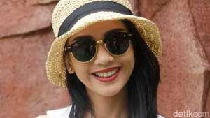 Senyum Manis Ririn Dwi Ariyanti