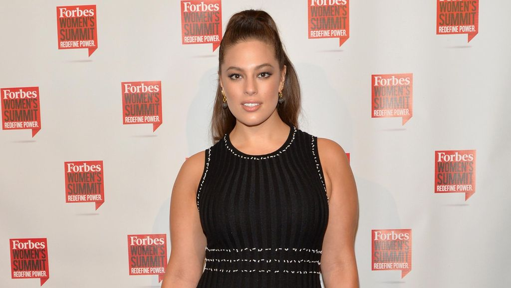 Disebut Hamil, Ini Balasan Santai Model Plus Size Ashley Graham