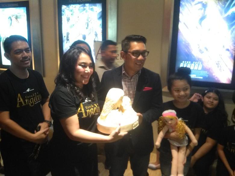 Sulap Bandung Jadi Kota Ramah Anak, Ridwan Kamil Terima Penghargaan