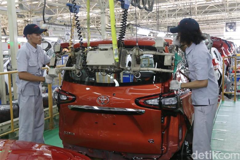 Produksi mobil Toyota di Indonesia. Foto: Toyota