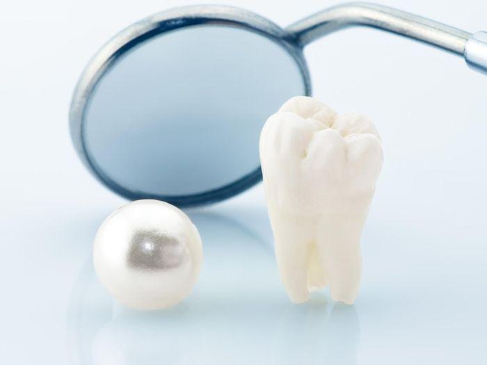 Hal Yang Perlu Diperhatikan Pengguna Gigi Palsu Lepas Pasang