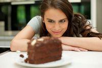 Mengapa Saat Sedih dan Galau Orang Cenderung Makan Lebih Banyak?