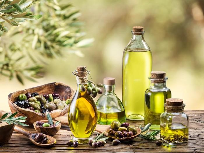 Studi menyebutkan mengonsumsi minyak zaitun bisa meningkatkan kecerdasaan umum seseorang/Foto: iStock