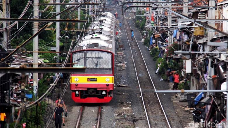 Hari Ini Penumpang KRL di Stasiun Juanda Meningkat 5 Kali Lipat