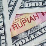 Balik Gencet Rupiah, Dolar AS Naik 400 Poin dalam Sepekan