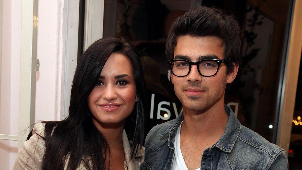 Pesan Sang Mantan untuk Demi Lovato Saat Overdosis