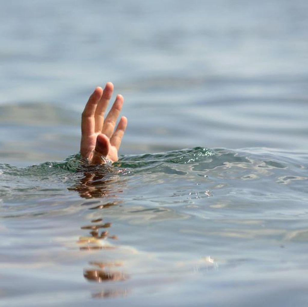 Berenang di Sungai Jagir, Seorang Pria Hilang Tenggelam
