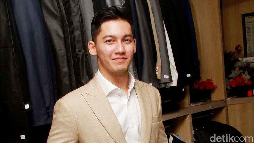 Terpeleset di Lokasi Syuting, Samuel Zylgwyn Alami Patah Tangan