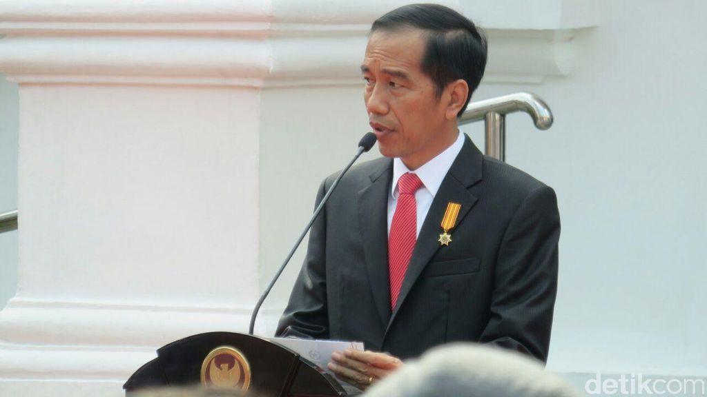Goreskan Cat Merah di Kanvas, Jokowi Resmikan Pameran Lukisan Istana